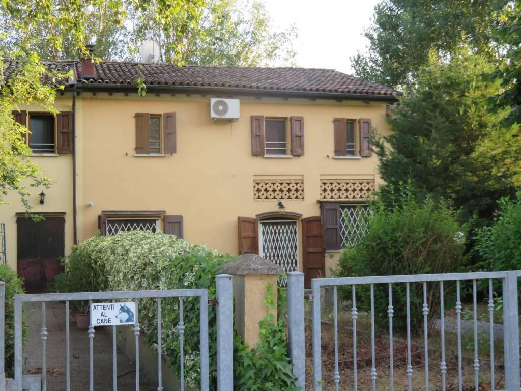 Moradia com terraço em Castelfranco Emilia