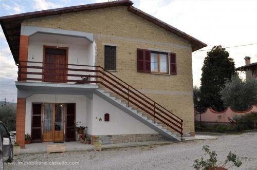 Casa indipendente a Castiglione del Lago