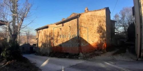 Klein huisje op het platteland in Penna San Giovanni