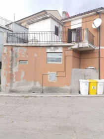 Detached house in Cermignano