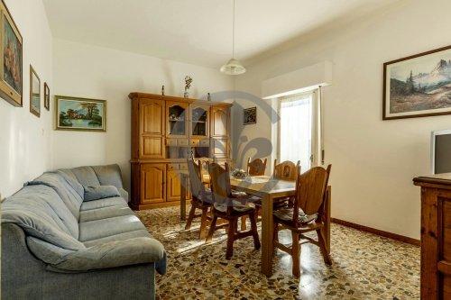 蒙特普齐亚诺公寓