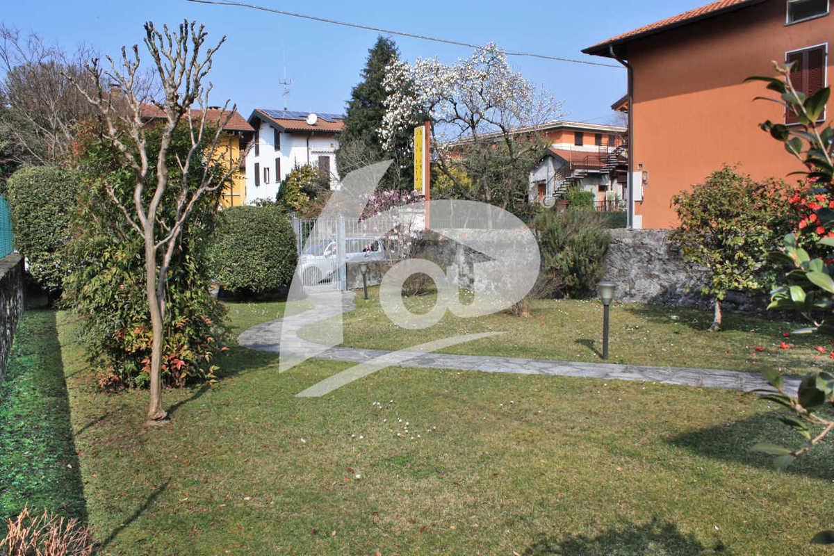 Villa a Laveno-Mombello