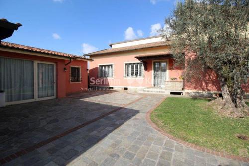 Villa in Porcari