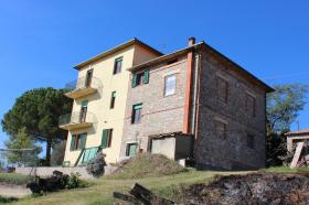 Hus på landet i Castiglione del Lago