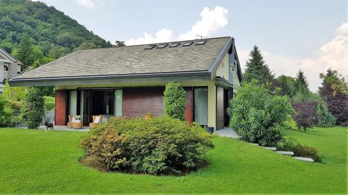 Villa in Bisuschio