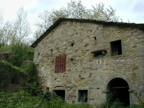 Kleines Dorf in Pratovecchio Stia