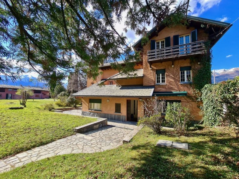 Villa in Colico