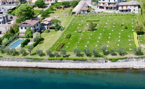 Villa in Pianello del Lario