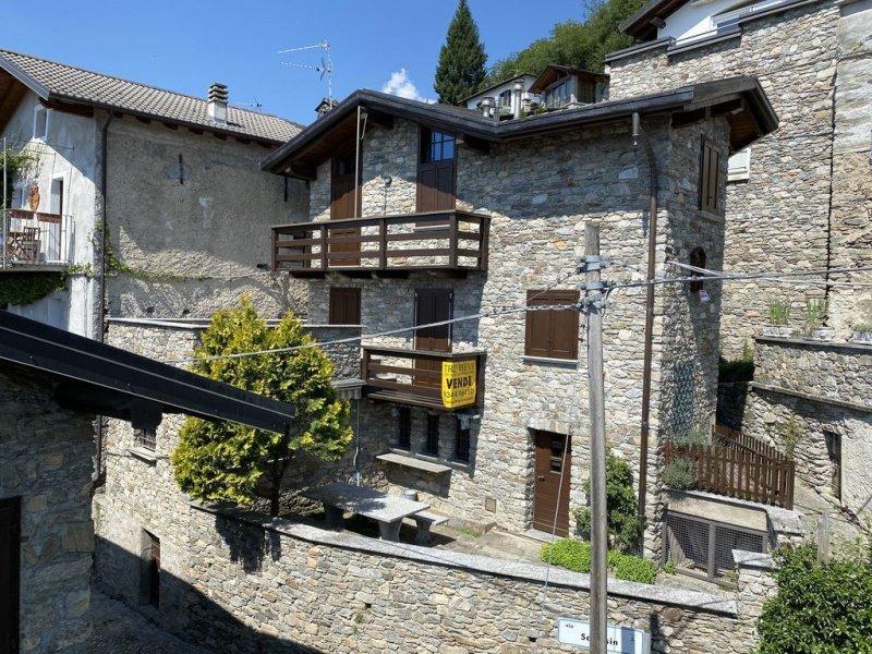 Detached house in Gera Lario