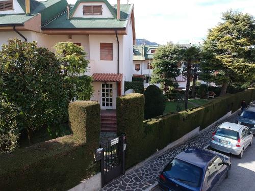 Casa adosada en Folignano