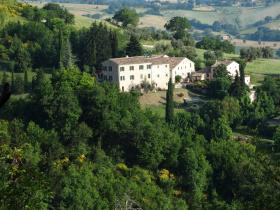 Hus på landet i Arcevia