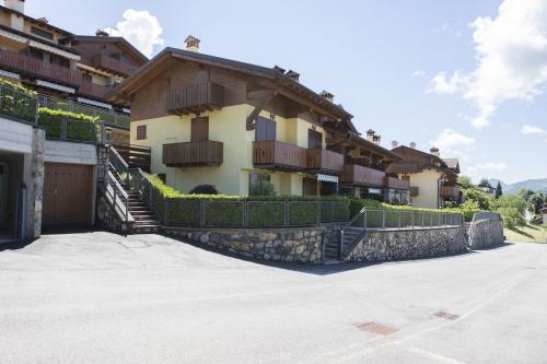 Wohnung in Costa Serina