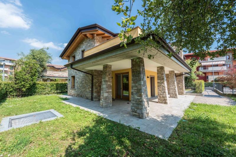 Villa in Seriate