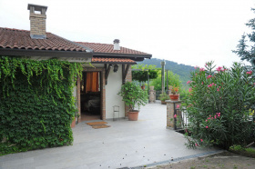 Villa in Calvignano
