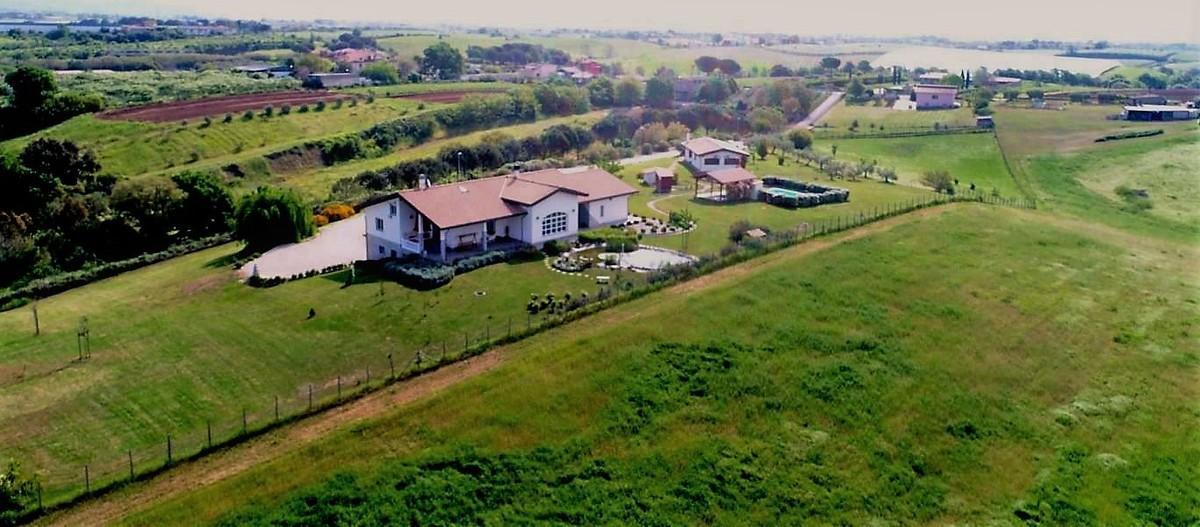 Villa a Aprilia