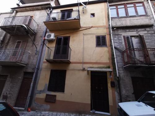 Haus in Alessandria della Rocca