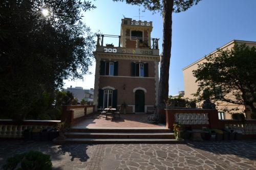Историческое здание в Анцио
