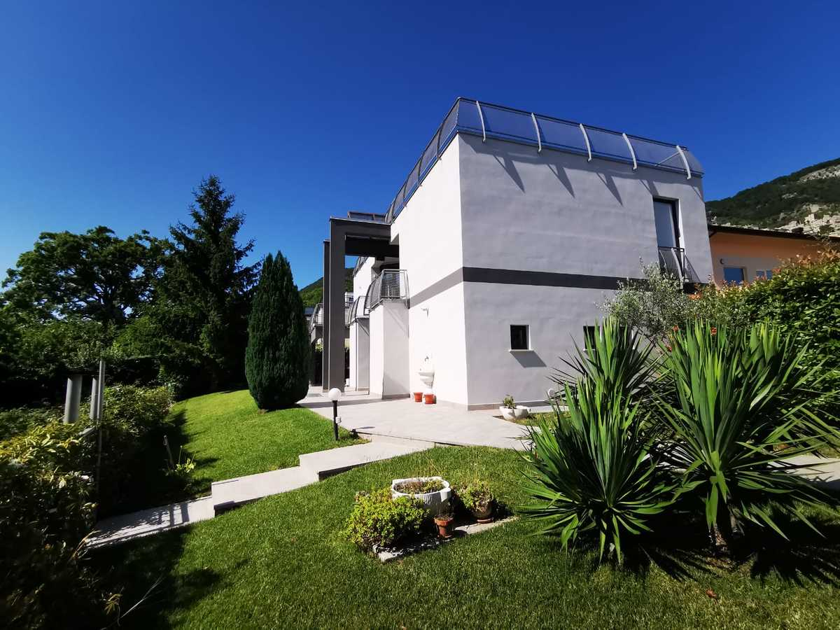 Villa à Pesche
