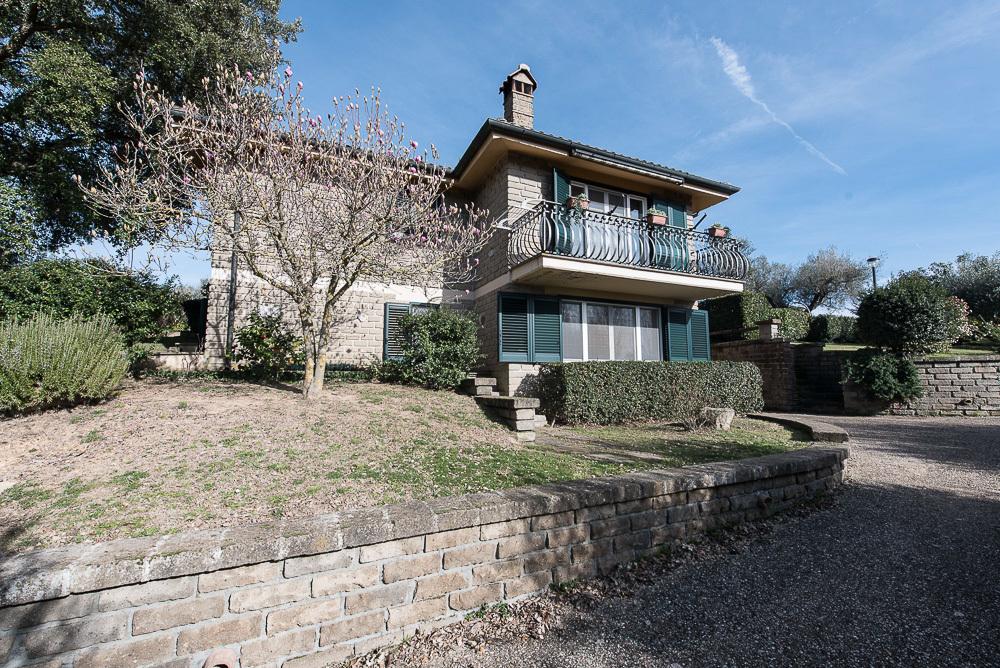 Villa a Canale Monterano