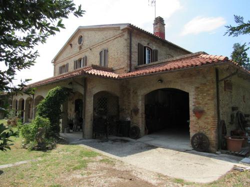 Hus på landet i Castelleone di Suasa