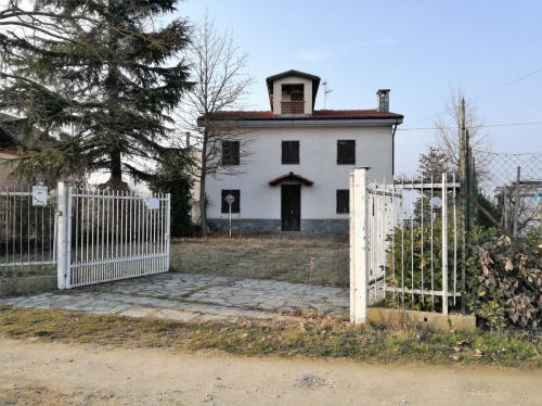 Einfamilienhaus in San Damiano d'Asti