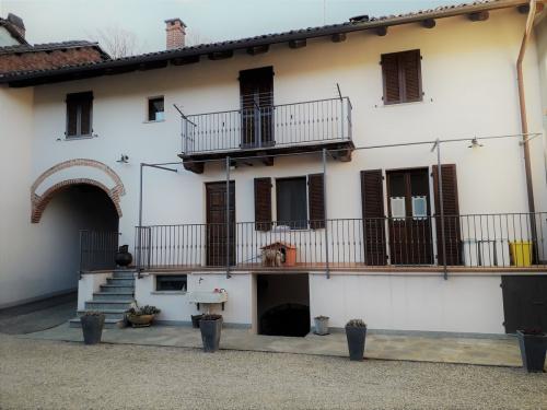 Doppelhaushälfte in Tigliole