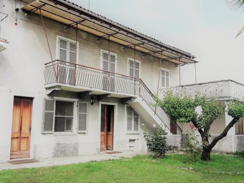 Doppelhaushälfte in Villafranca d'Asti