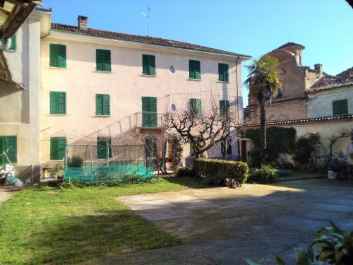 Parhus i Montechiaro d'Asti