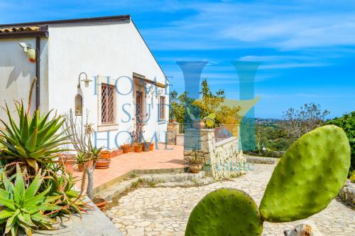 Villa in Noto