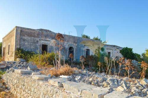 罗索利尼石砌农庄