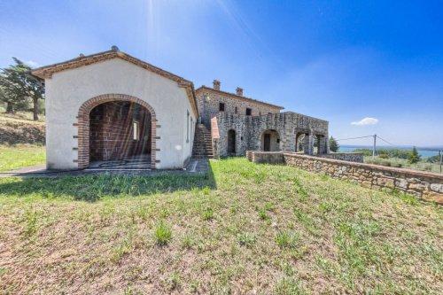 Huis op het platteland in Tuoro sul Trasimeno