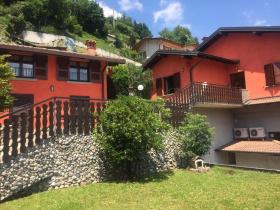 Villa à Vertova