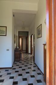 Villa i Petriano