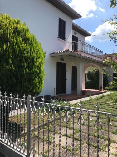 Villa a Petriano