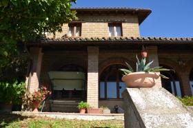 奇维泰拉达利亚诺别墅