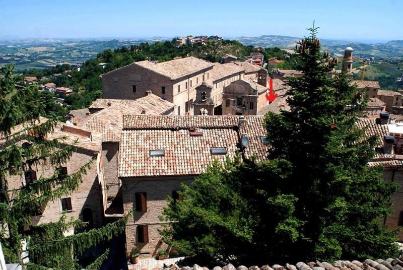 Casa histórica en Montalto delle Marche
