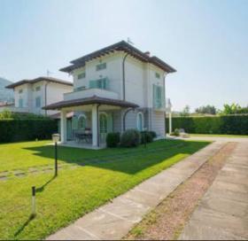 Villa a Pietrasanta