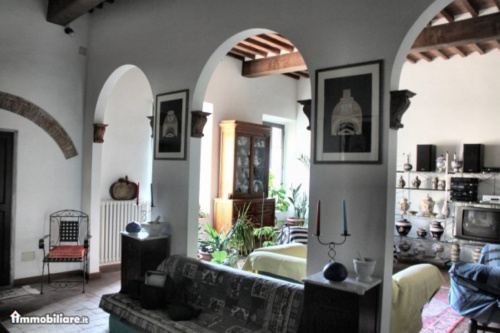 Maison indépendante à Calci