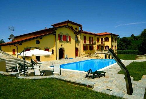 Villa in Murazzano