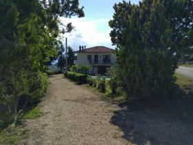 Villa à Montefino