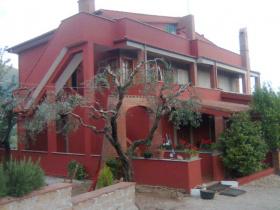 Villa a Cori