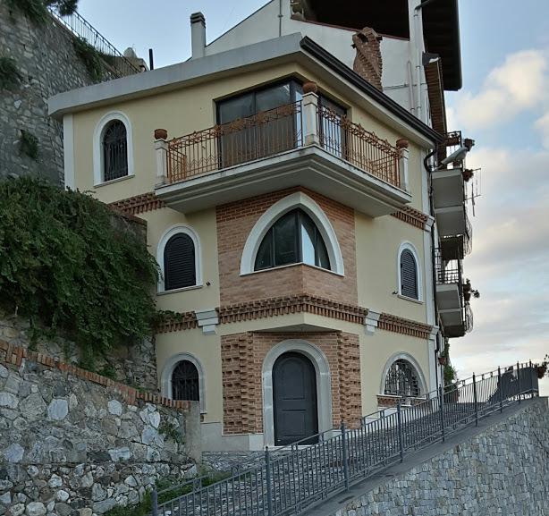 Casa independiente en Castroreale