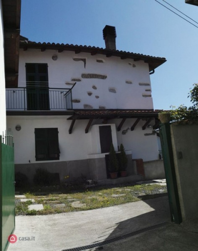 Doppelhaushälfte in Bosio