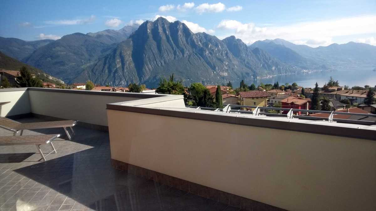 Penthouse in Solto Collina