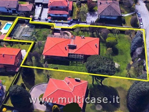 Villa in Fino Mornasco