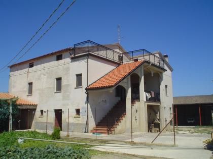 Дом в Сант'Омеро