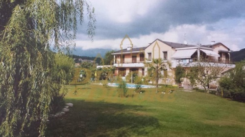 Reihenhaus in Casale Corte Cerro