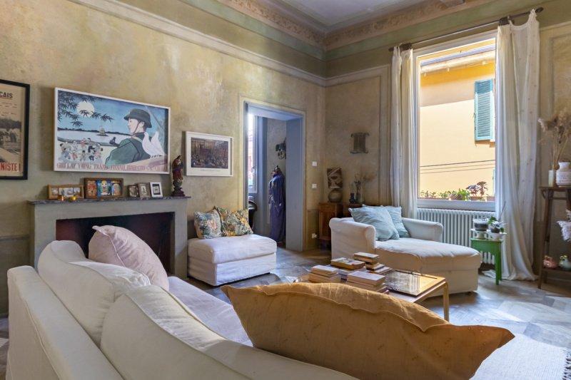 Historisk lägenhet i Bologna