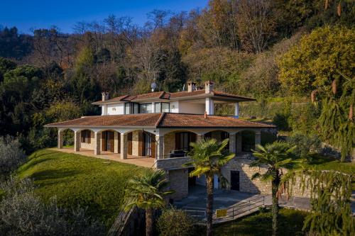 Villa in Credaro