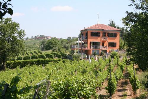 B&B in Montecalvo Versiggia